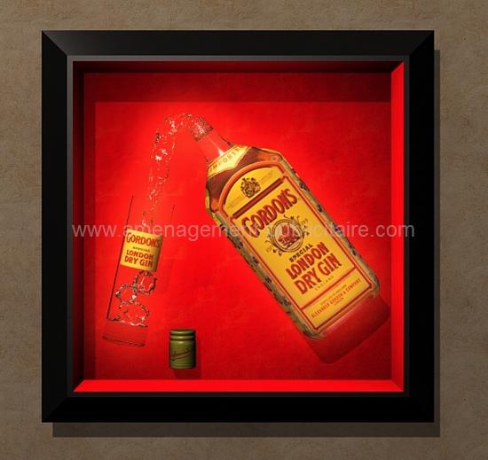 cadre sur mesure - réplique de bouteille et de verre pour cette marque d'alcool