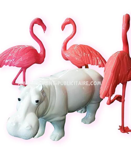 statue en resine - hippopotame (L173 X L55 X H82) et flamants roses