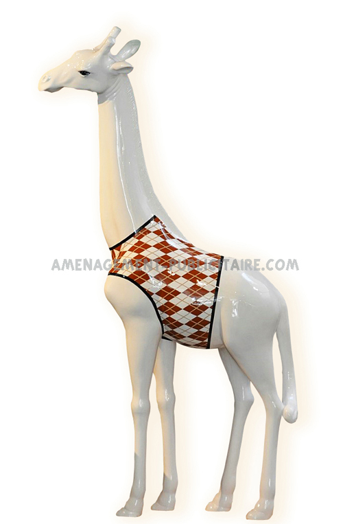 statue en resine - girafe en maillot